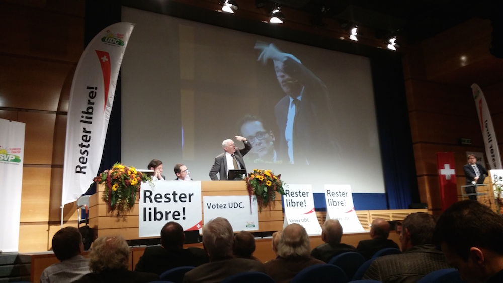 Roger Köppel, Christoph Blocher und Christoph Mörgeli an einem SVP-Event in Lausanne am 2. Oktober 2015.